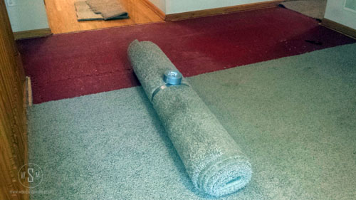 tape-it-removing-carpet