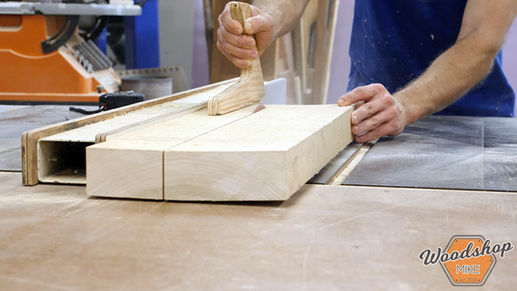 Rip Cut DIY Farmhouse Platform Bed